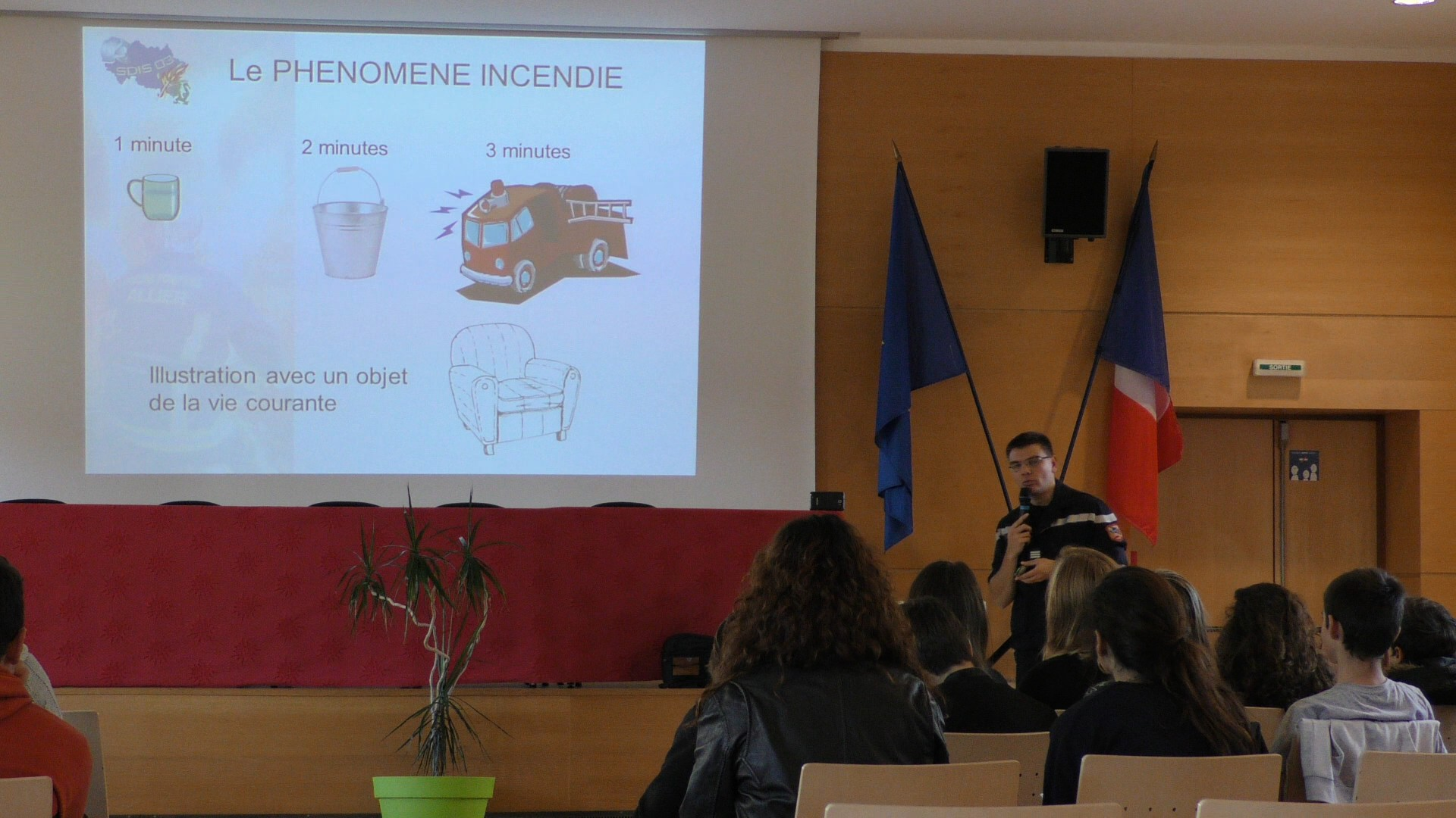 Lycée Jean-Monnet : Information Préventive aux Comportements qui Sauvent (IPCS)