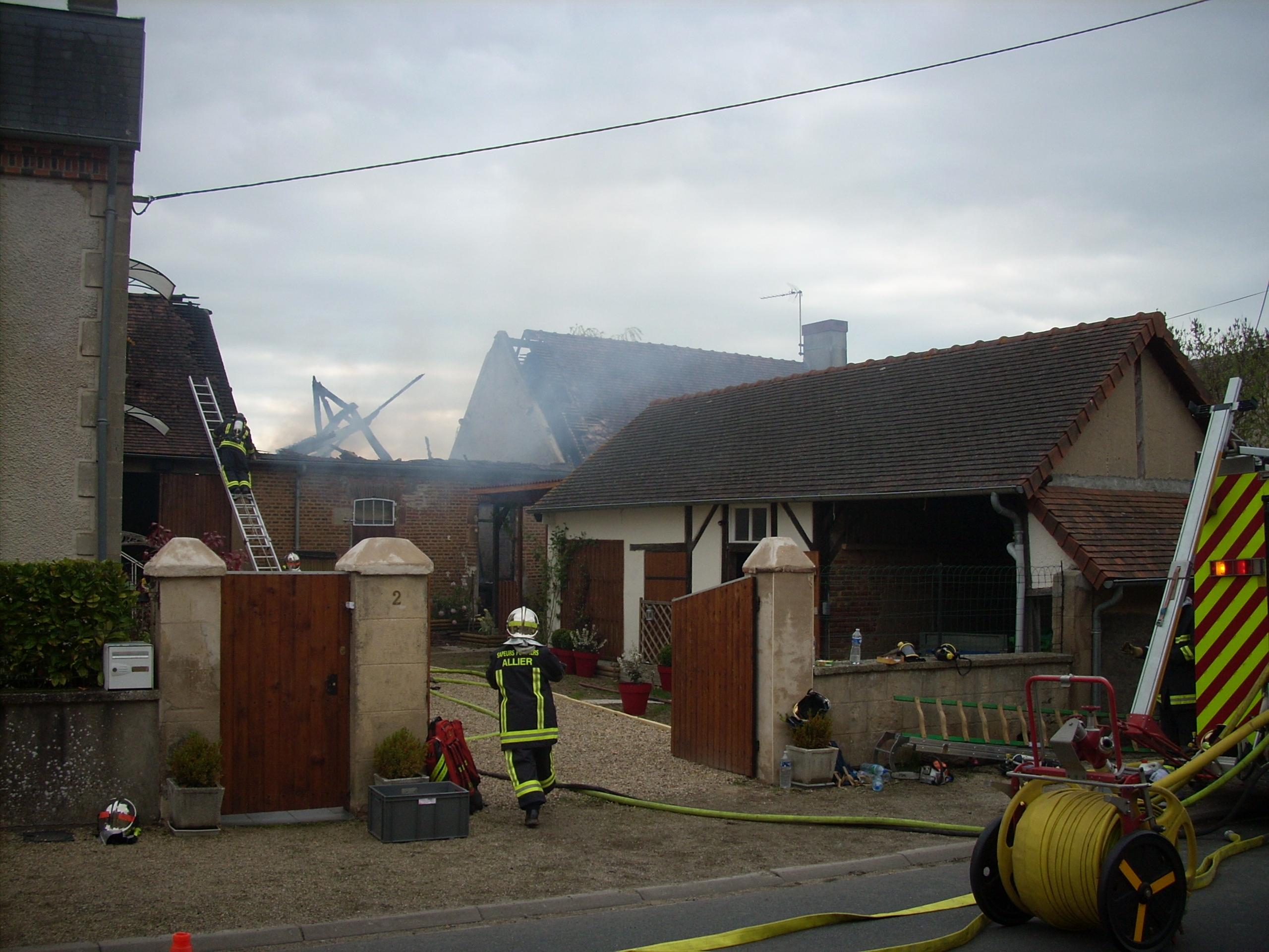 Incendie à Neuilly le Réal
