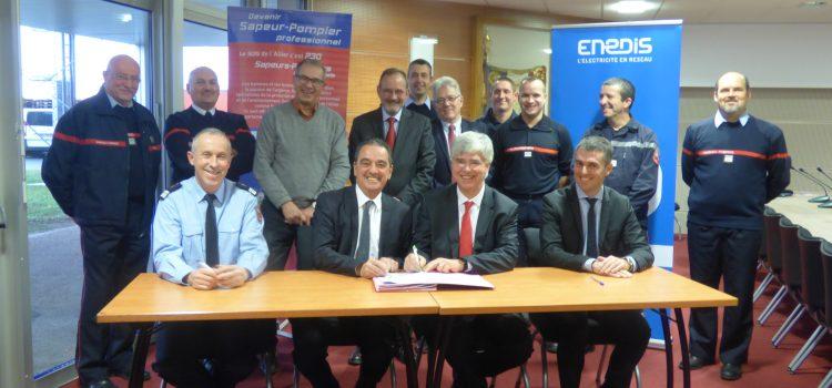 Signature d'une convention en faveur du volontariat Enedis/Sdis03