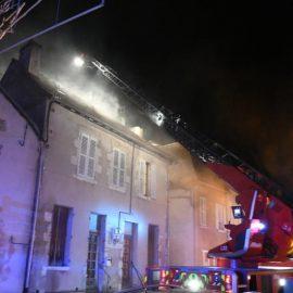 Saint-Pourçain sur Sioule : un appartement détruit par les flammes